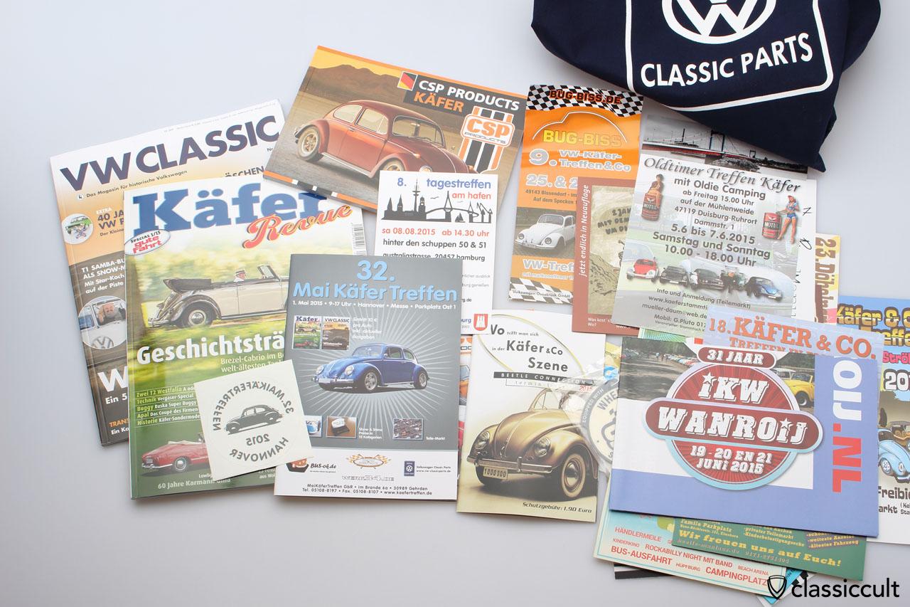 """Maikäfertreffen 2015 WelcomeBag mit Käfer Revue, VW-Classic Zeitschrift, diverse Flyer aber kein Schokoladen-Käfer und auch kein """"Kurzer""""."""