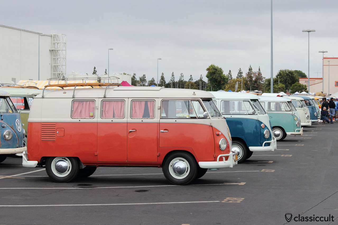VW Bus OCTO Show