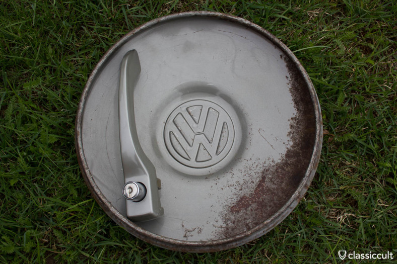 original VW L328 Steel Grey VW Beetle 1200A 1965 1966 Hubcap and NOS VW 1967 Standard door handle