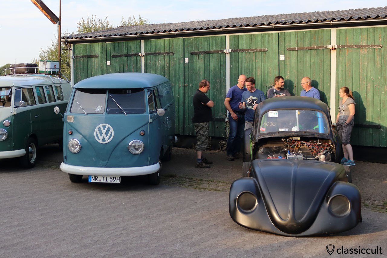 The Grinch Dragrace VW Beetle by wankel-dragracing and 1959 T1 Split Bus