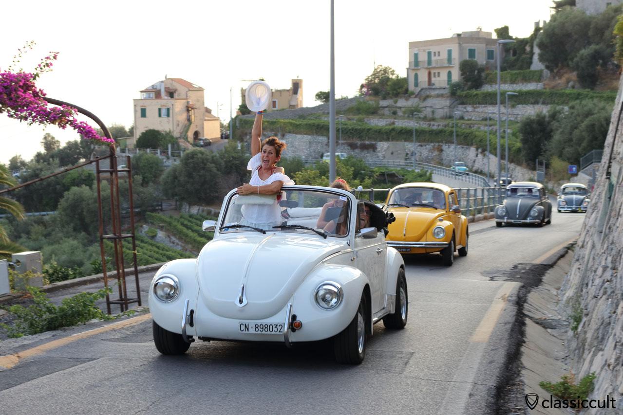 VW fans having fun while cruising to Terrerosse Camping