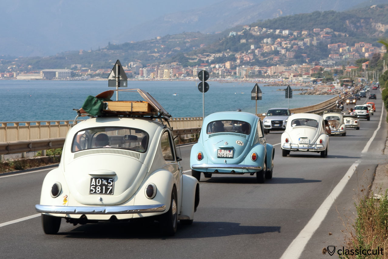 VWs Beetles cruising along the sea towards the village of Giustenice, RiVWiera #3