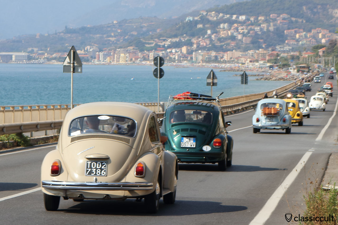 aircooled VWs cruising along the sea to Giustenice, RiVWiera #3