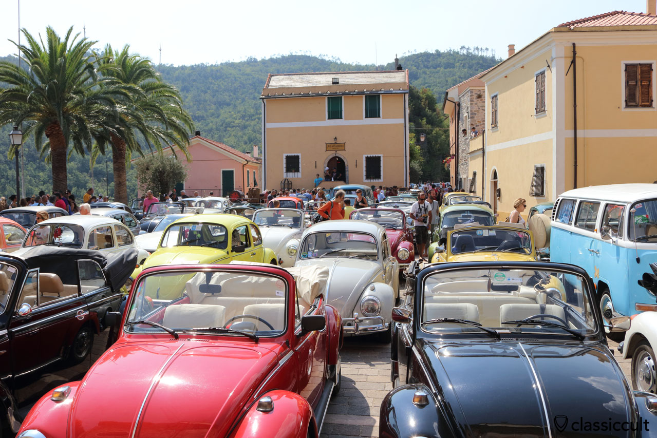 VW Fans having a rest after cruising to San Michele church, Giustenice