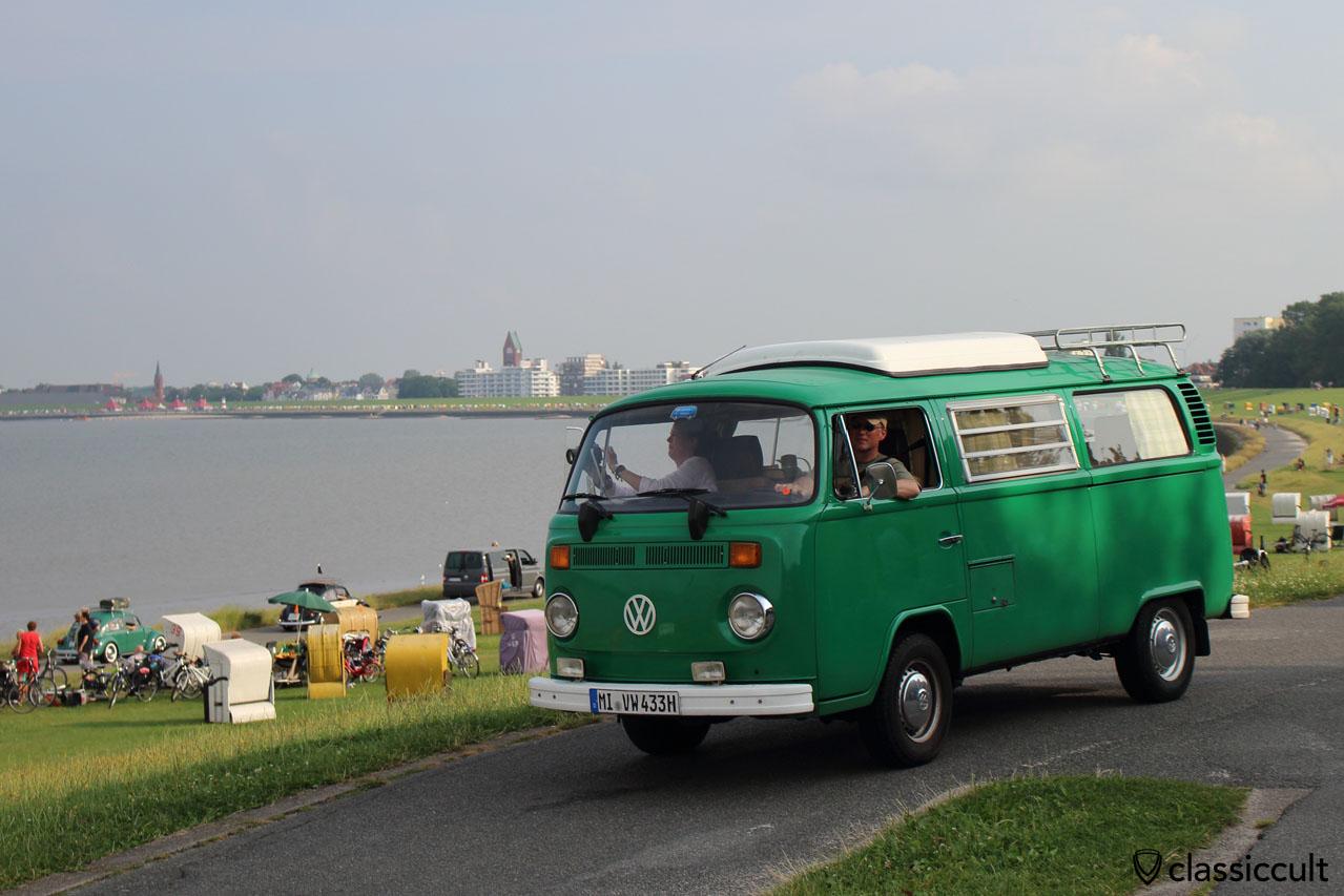 dieser Camping Bus war früher ein Polizei Einsatzfahrzeug