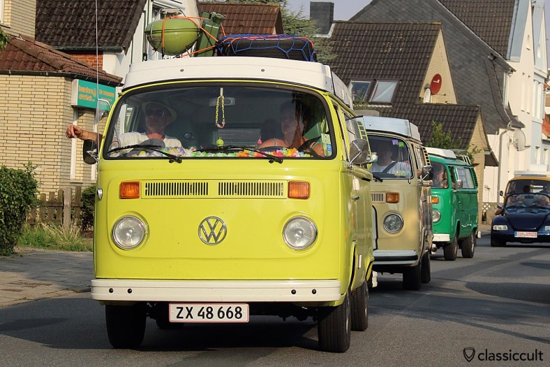 gelber T2 Camping Bus