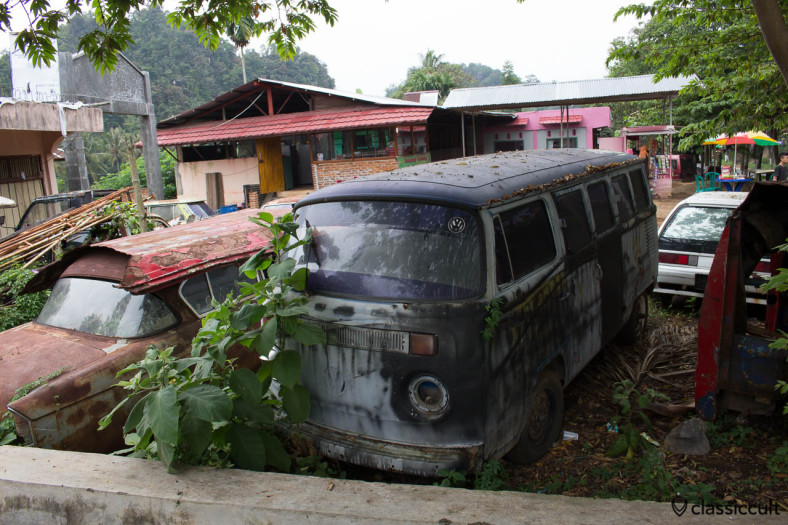 I saw this rusty VW T2 Bus with IMI Ikatan Motor Indonesia sticker near Payakumbuh in Sumatra Indonesia. It is a Brazilian Bay (front side).