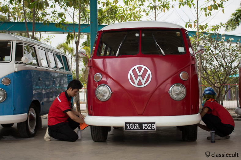 "Siam VW Festival 2014, Split Window Bus of the KIng of Thailand with number Plate ""KING 1529"""