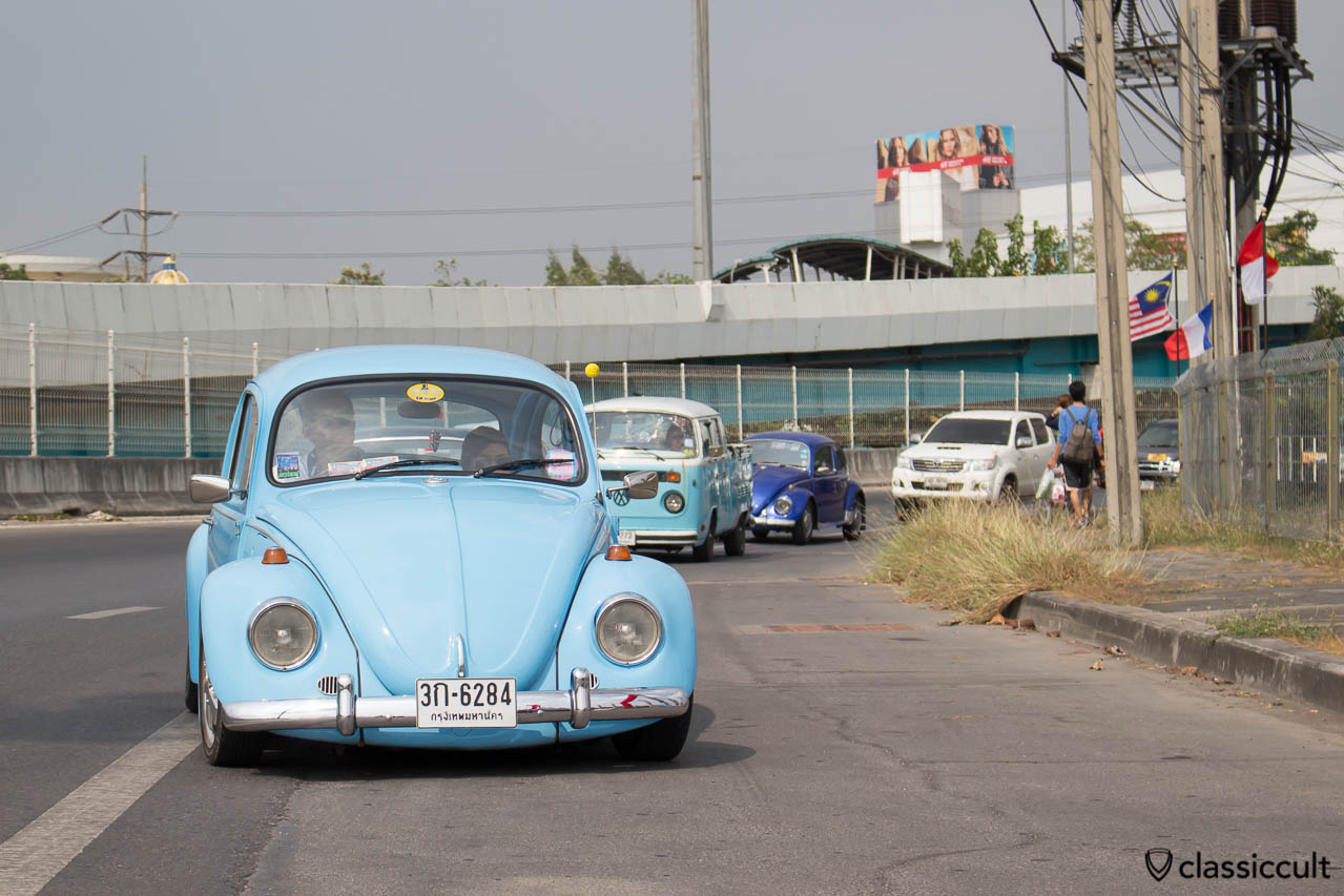 VW Beetle arriving at Siam Festival
