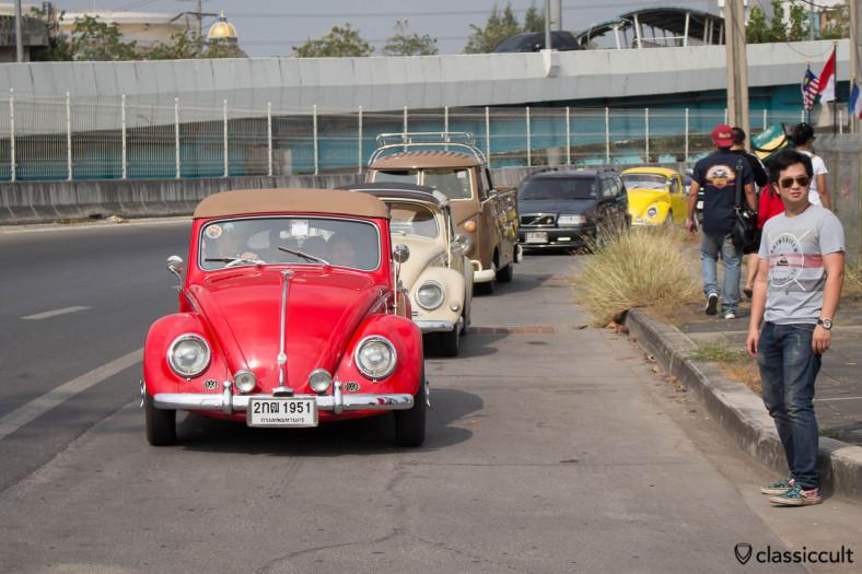 red VW Oval Vert