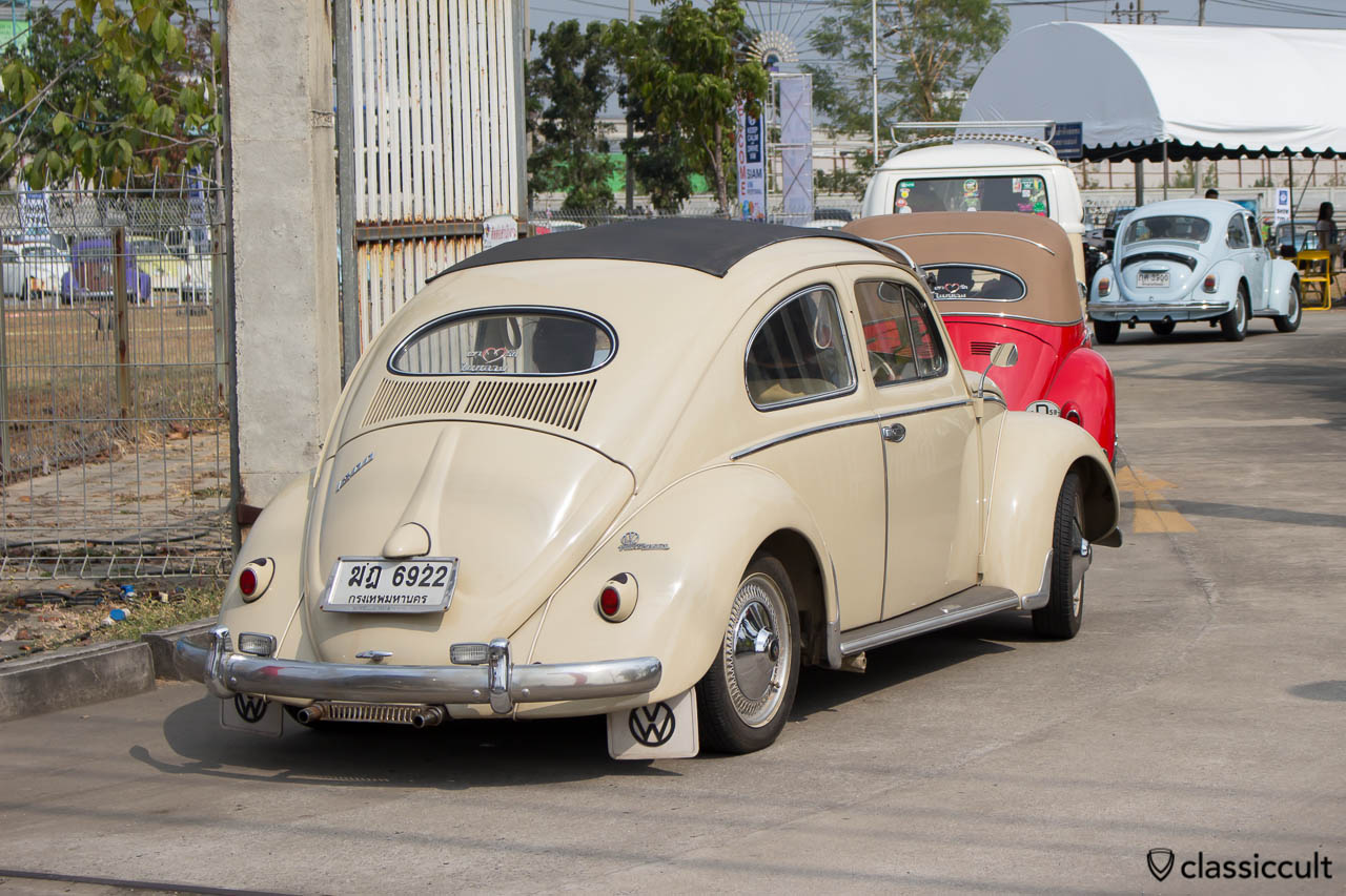 Oval RagTop Bug with rare vw accessories