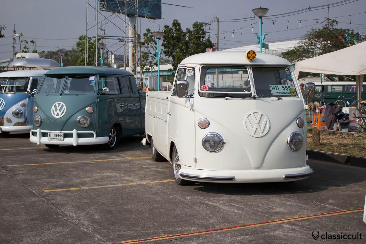 VW Split Pick up with Hella Ambulance roof light