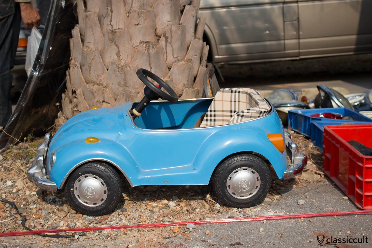 VW Beetle kids car