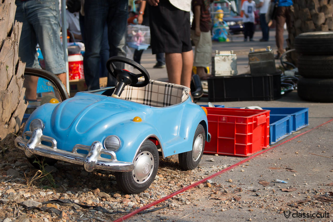 classic VW Beetle car for kids