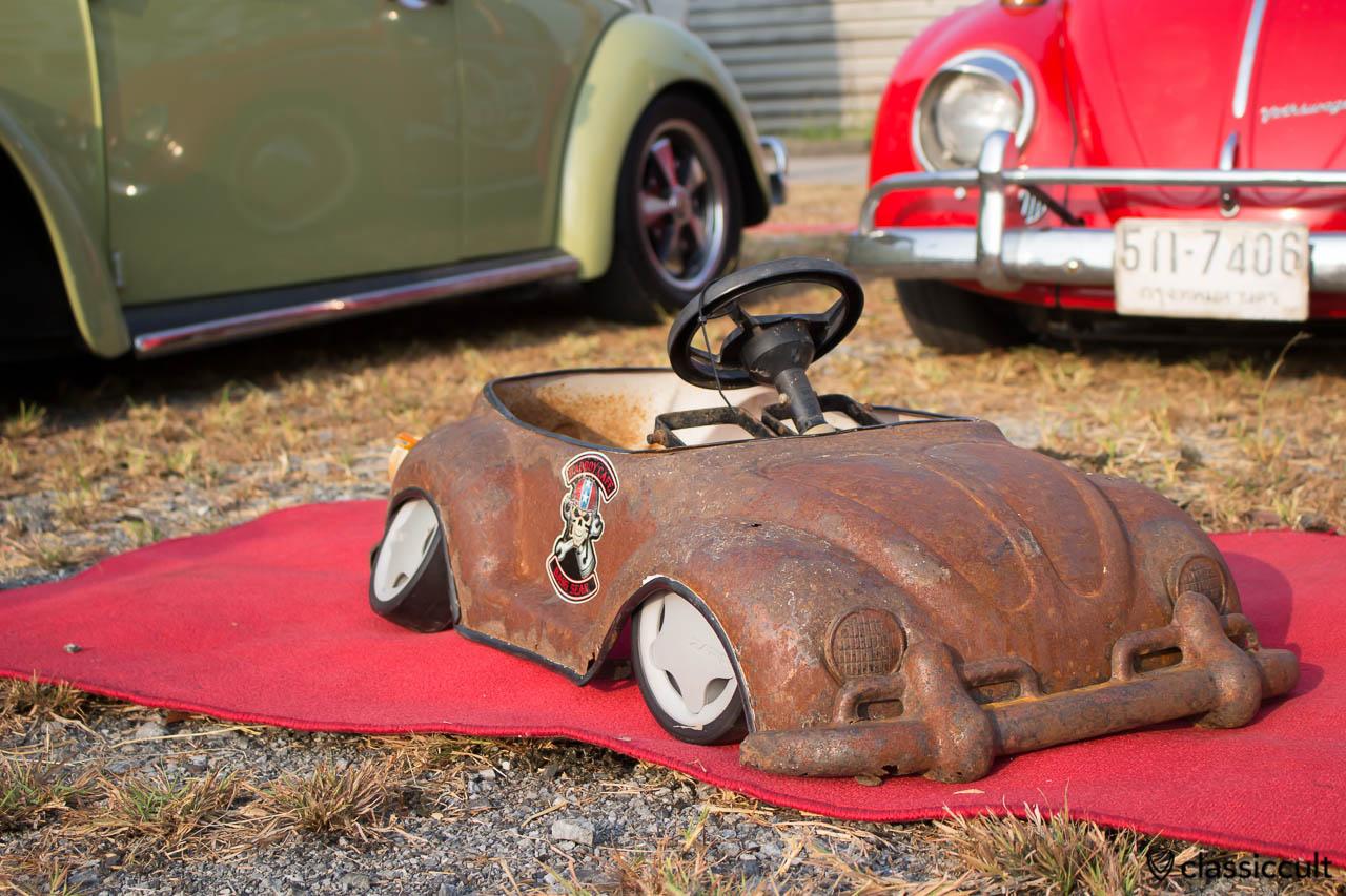 slammed VW Bug kids car