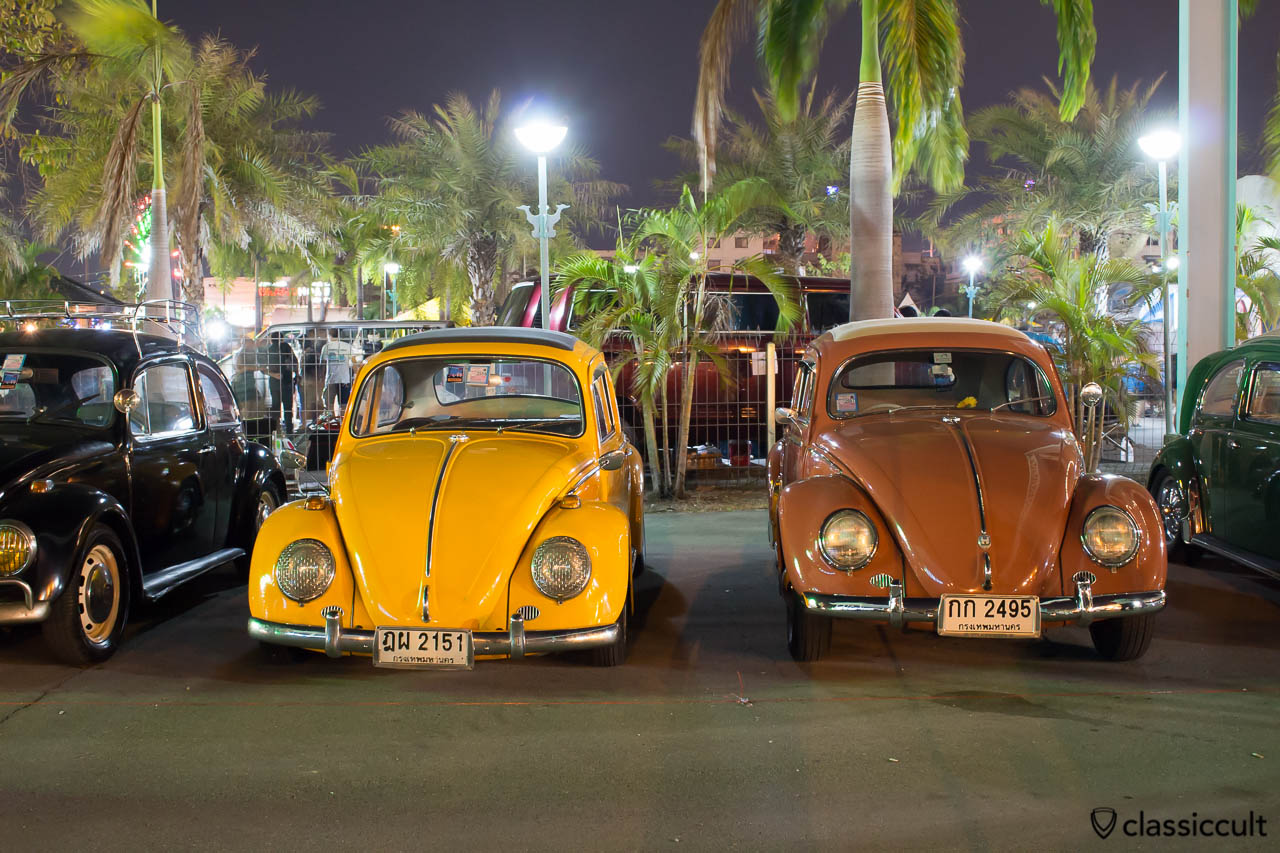 Ragtop Beetles at Night, Siam VW Festival 2014-2-15, Bangkok Thailand