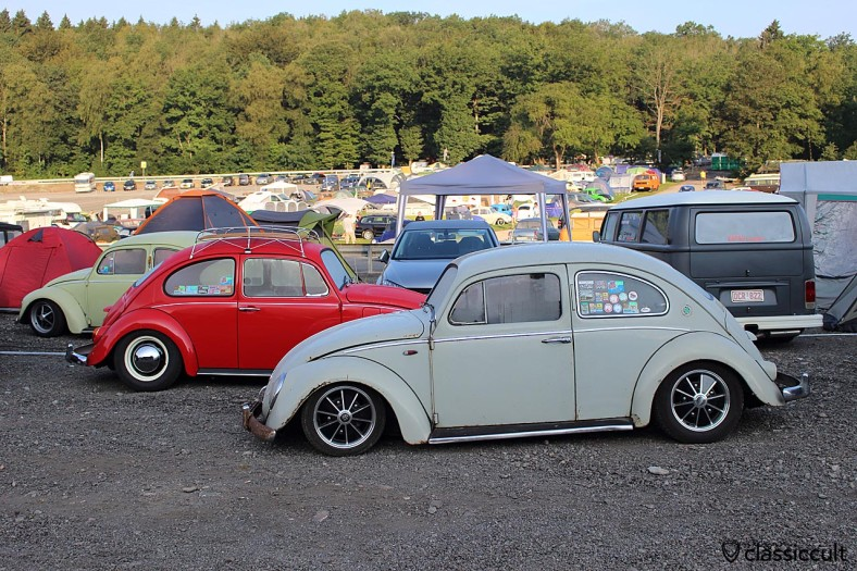 Lowered VW bug with semaphore, SPA VW Show