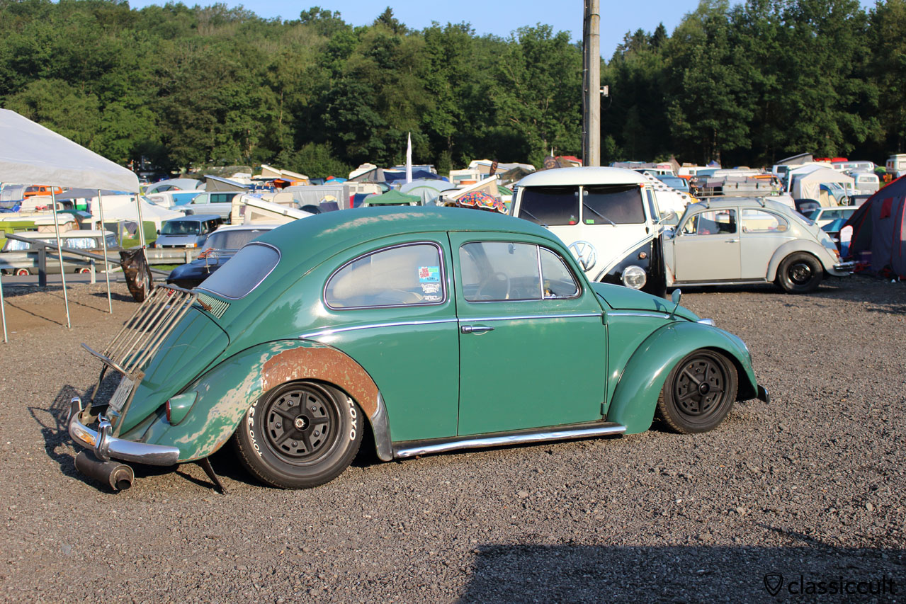 slammed VW Beetle with decklid rack