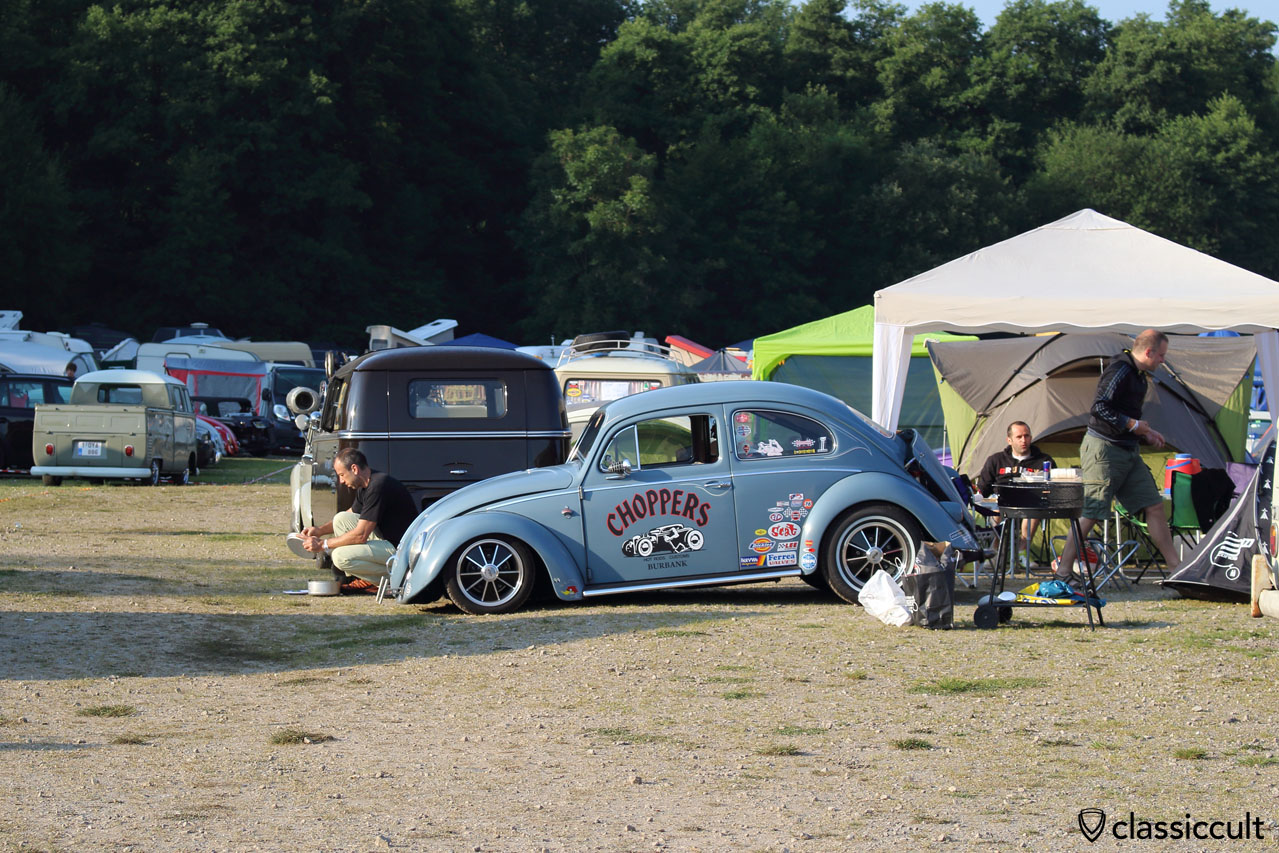 WOW! Choppers Hot Rods Customs lowered VW Beetle, with Talbot mirror, Le Bug Show 2014