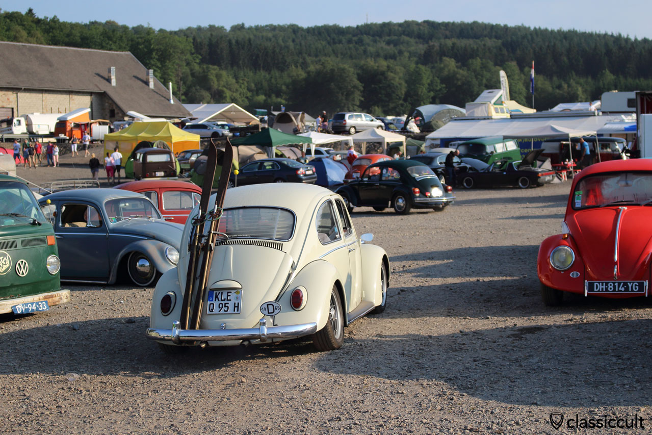 1966 VW Beetle with Ski