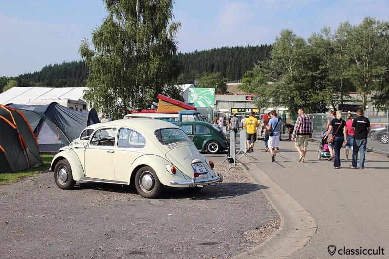 9:30 in the morning, VW enthusiasts going to the Spa race track, Bug Show 2014