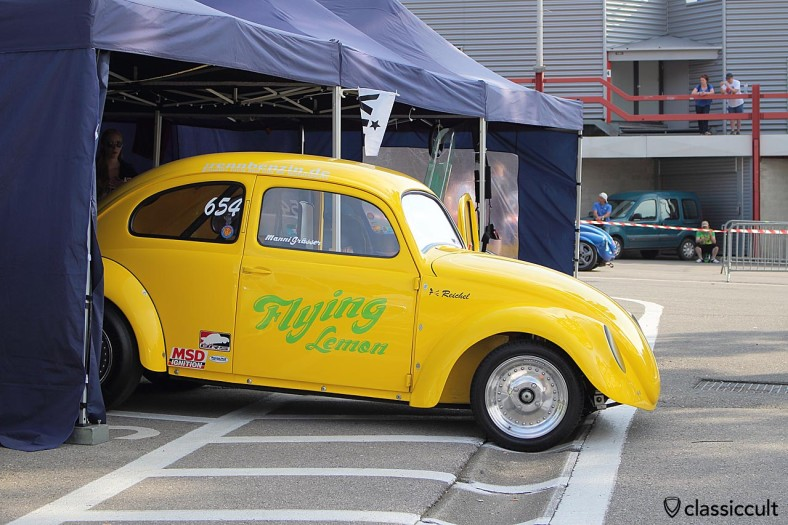 Flying Lemon drag race VW beetle