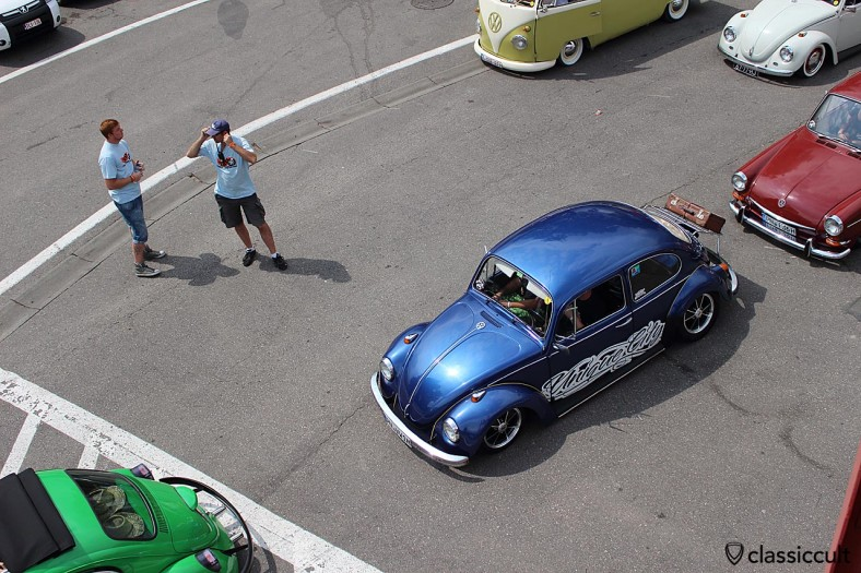 VW Beetle with decklid rack