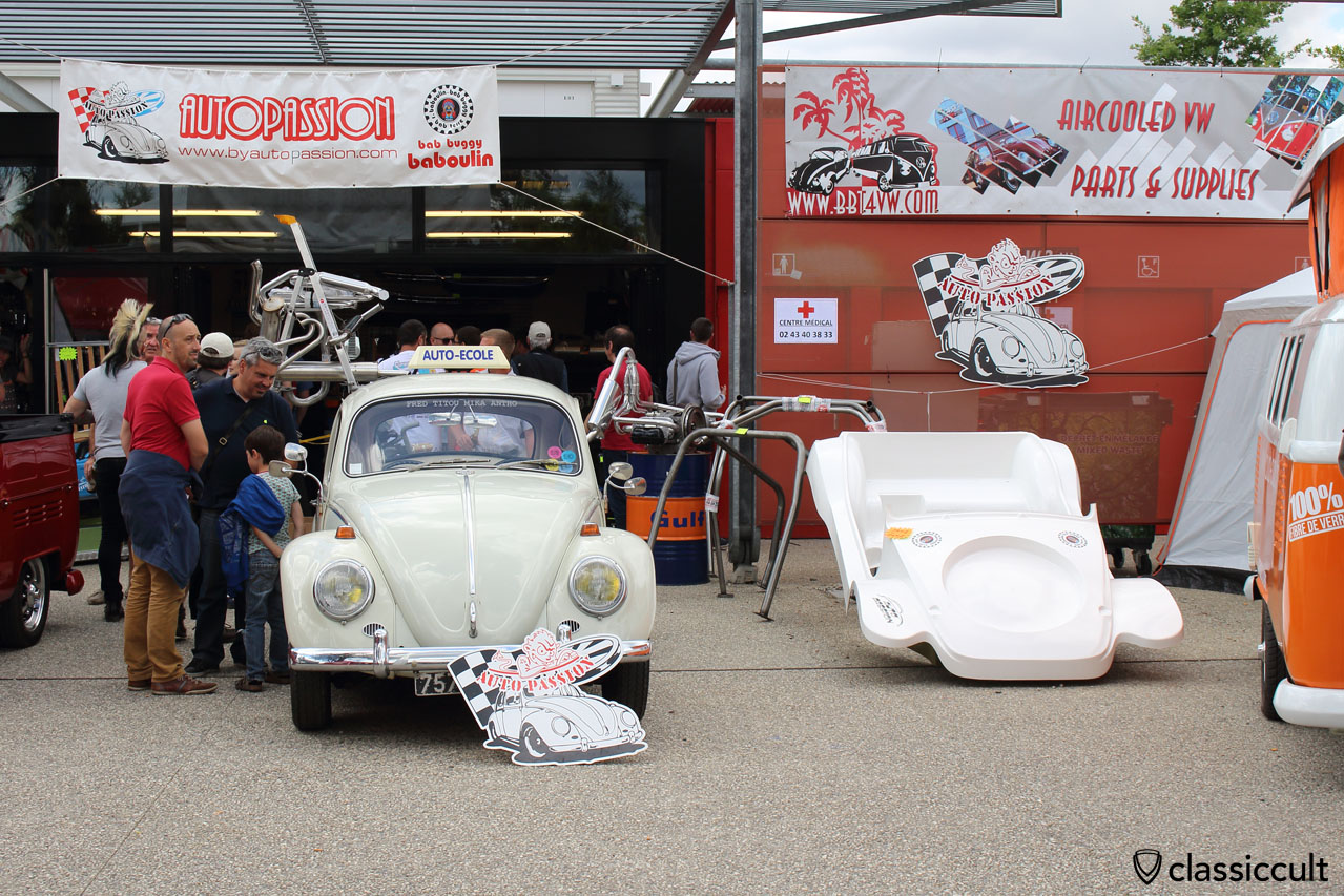 Auto Ecole (Driving School) VW Cox (Beetle) with great mirrors
