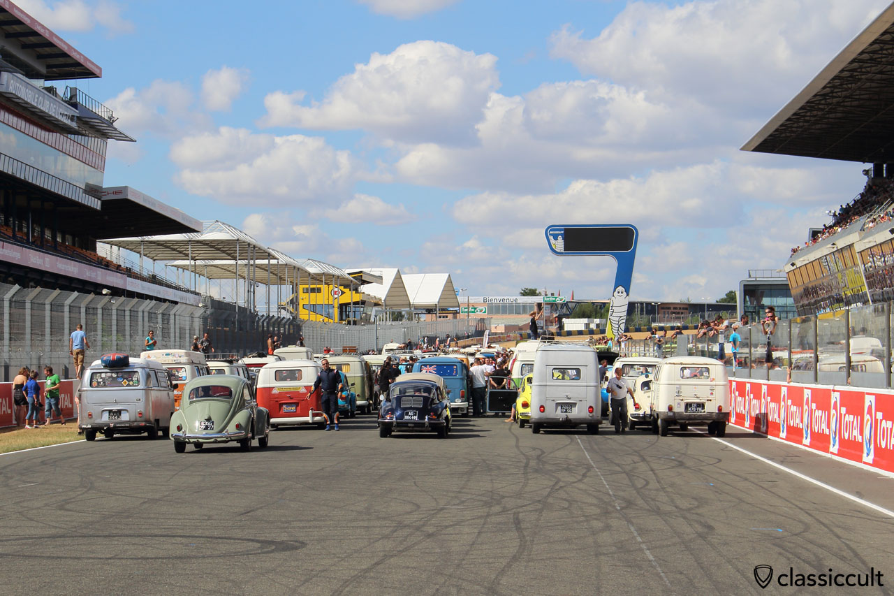 short time before grand parade, Super VW Fest 2015