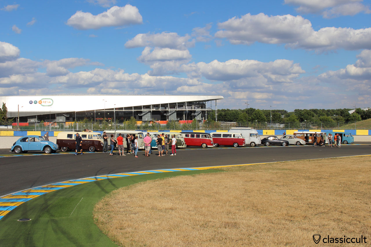 Super VW Fest Parade, stop at race track because of the traffic jam, 5:50 p.m.