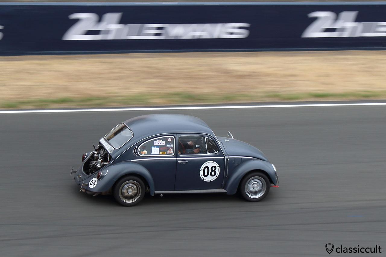 VW Beetle race demonstration, Le Mans