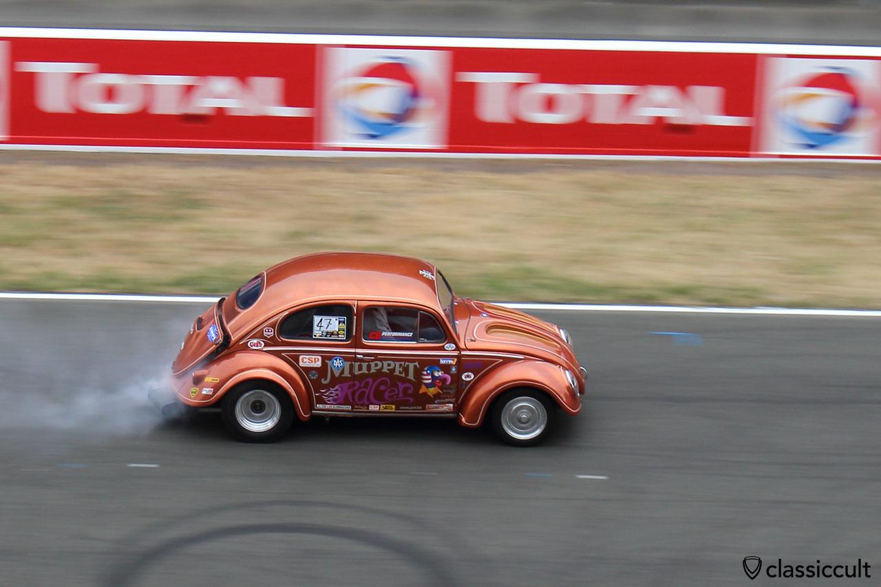 VW Muppet Racer running fast
