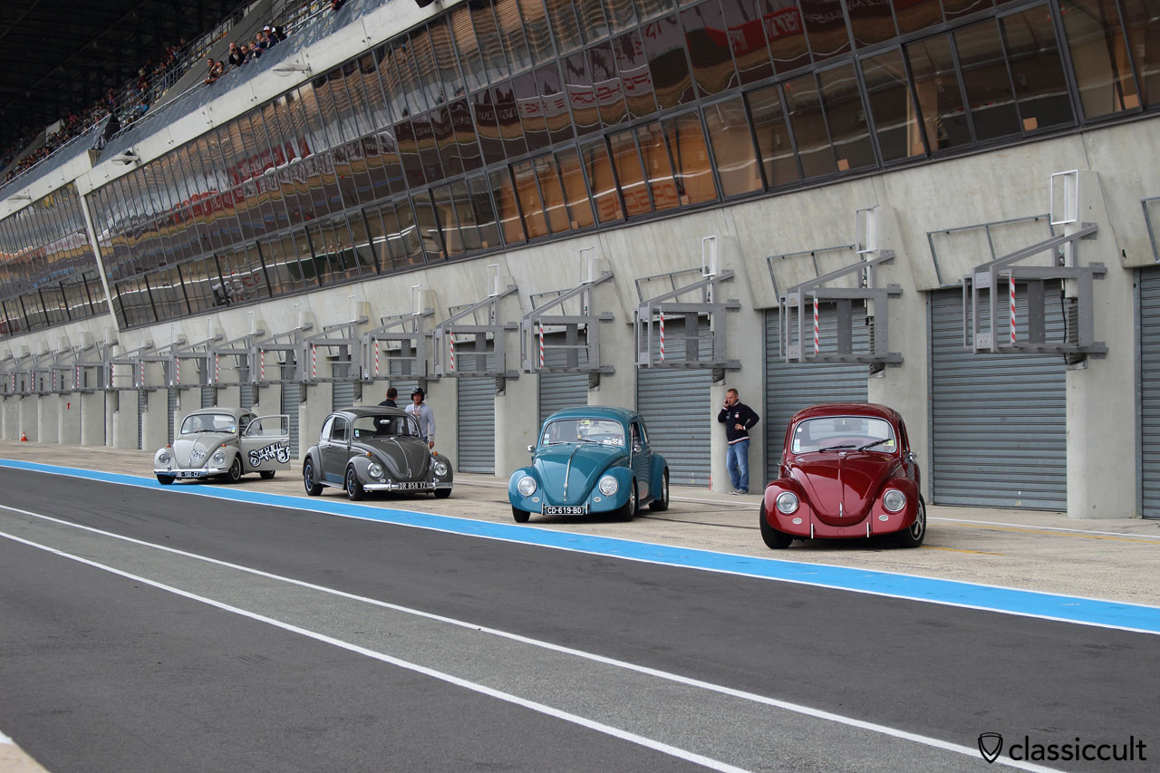 Race Beetles at Le Mans Super VW Fest 2015, Sunday, 10:48 a.m.