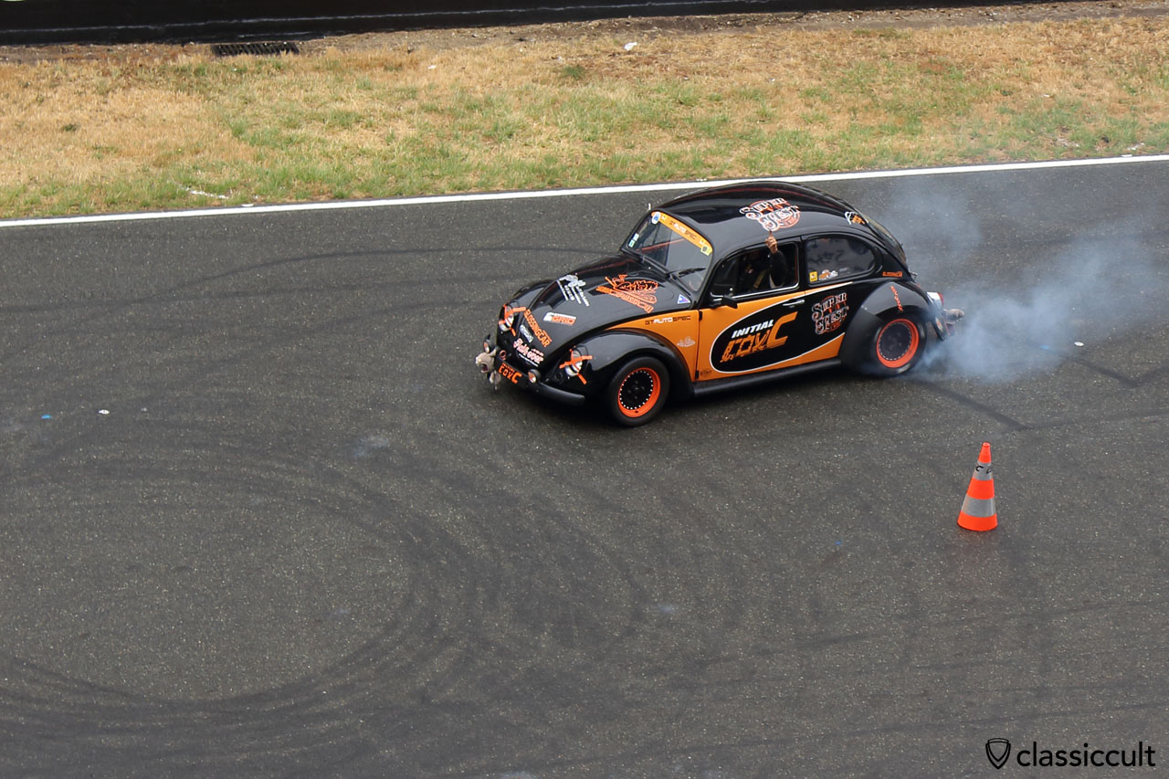 Initial drift Cox burn out at Le Mans Race Track