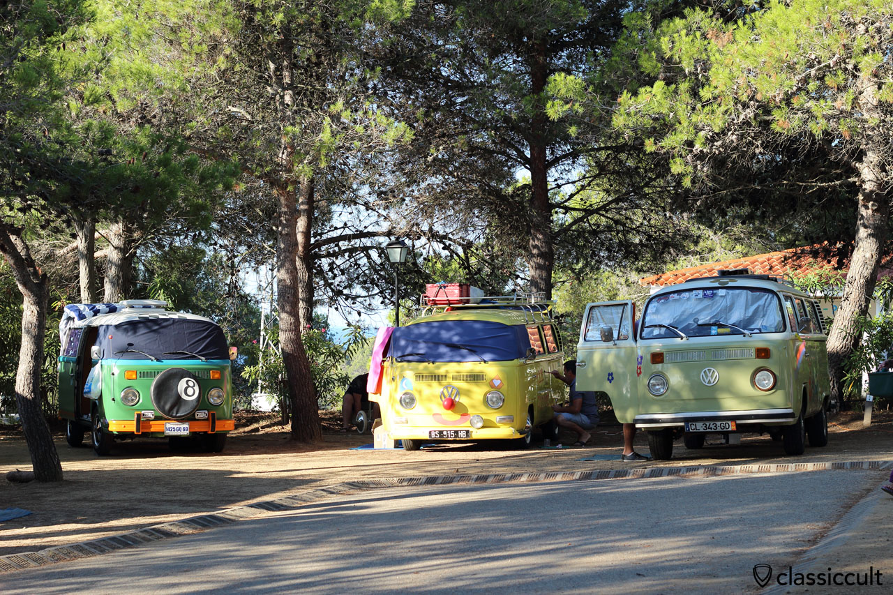 VW fans decorating the VW Bus with the Circus theme, Classic Volkswagen Meeting Tossa de Mar 2015