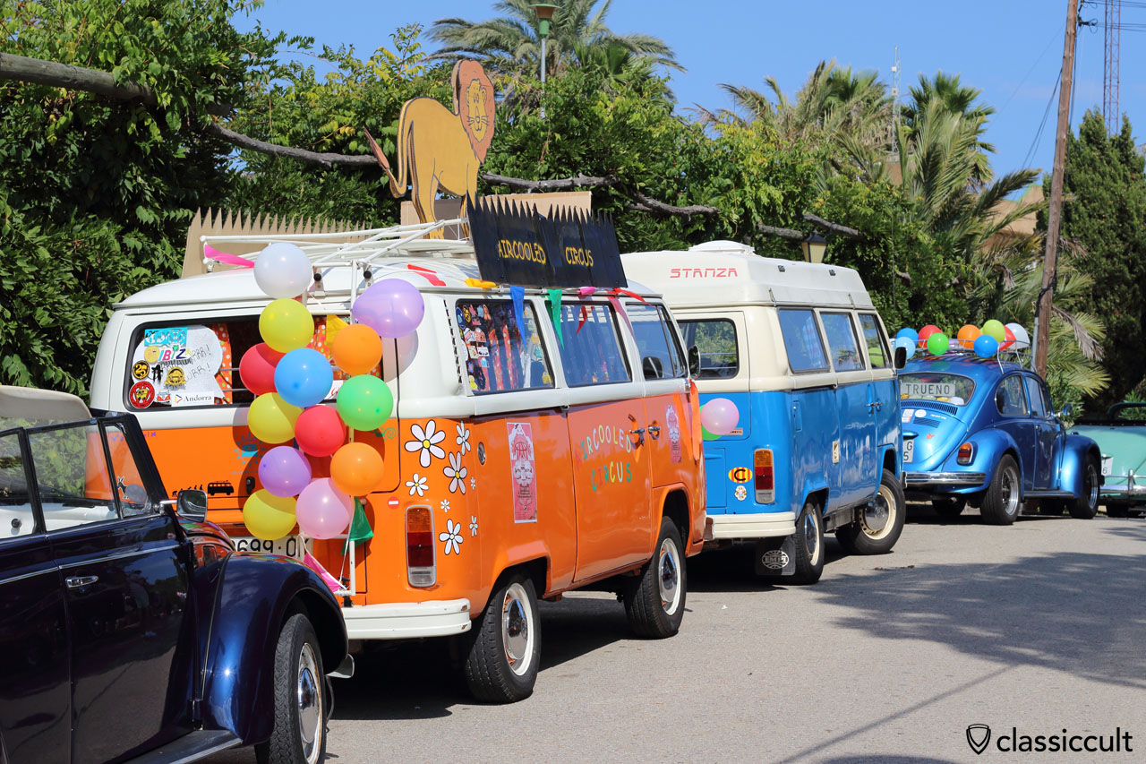 decorated T2 Bus, aircooled circus, 22th VW Meeting Tossa de Mar