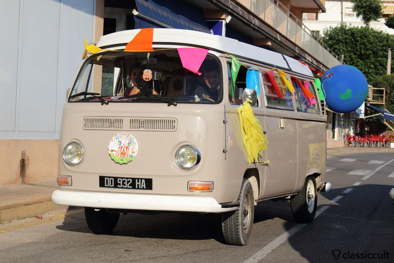 VW T2a Camper Circus