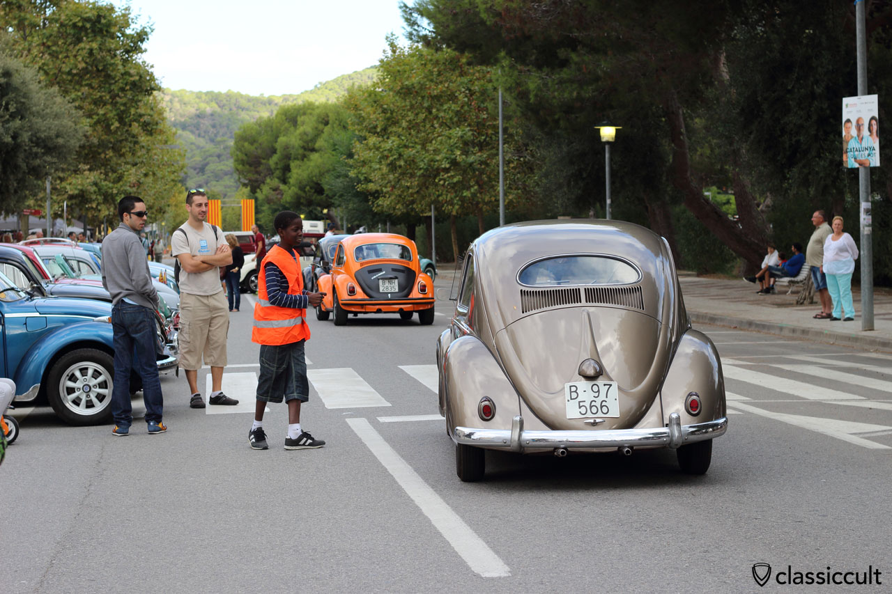 VW Oval Beetle just arrived at Sunday Show and Shine in the center of Tossa de Mar, 10:15 a.m.