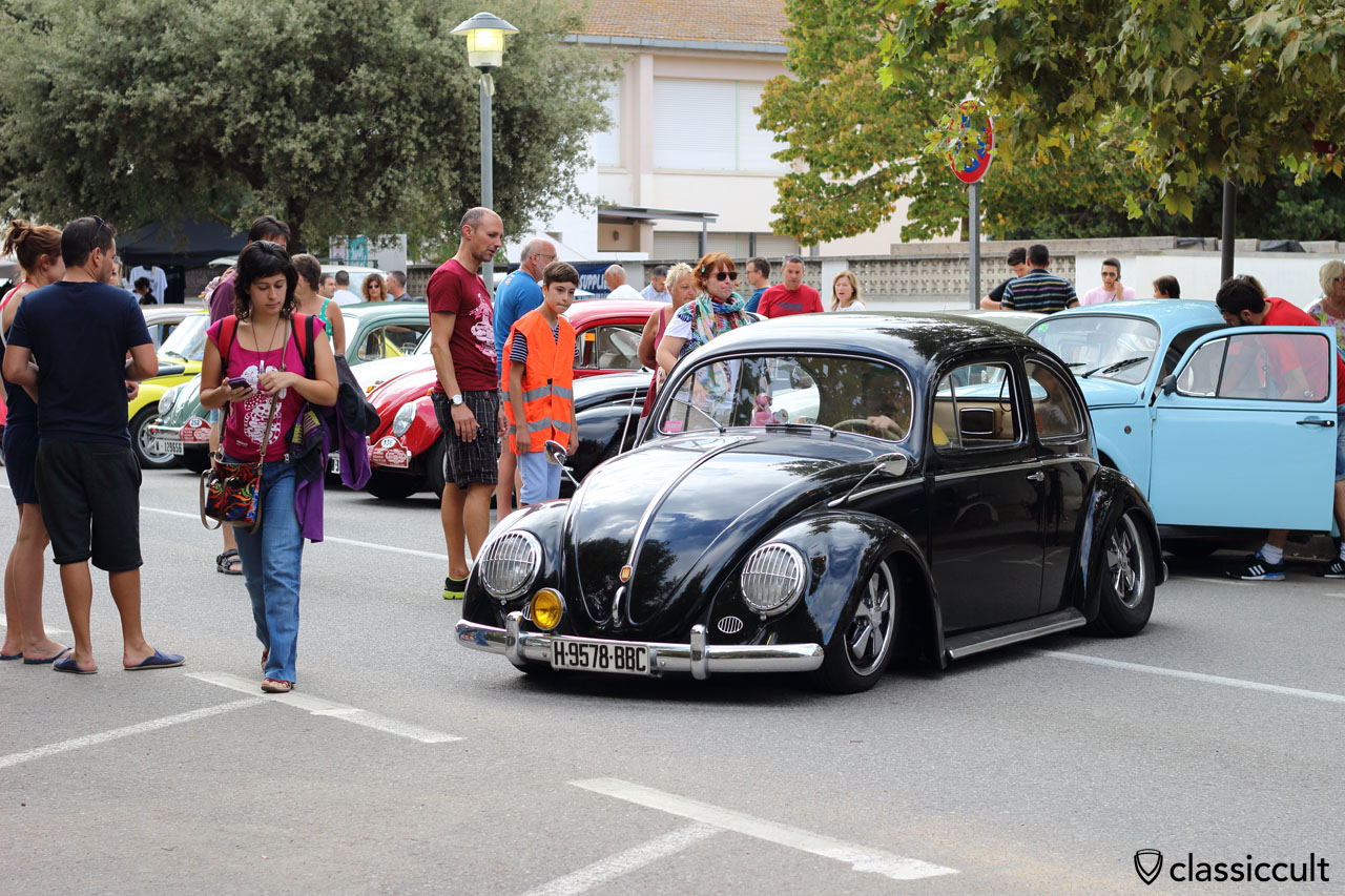 low VW Beetle with Hamburg Hood Crest Badge