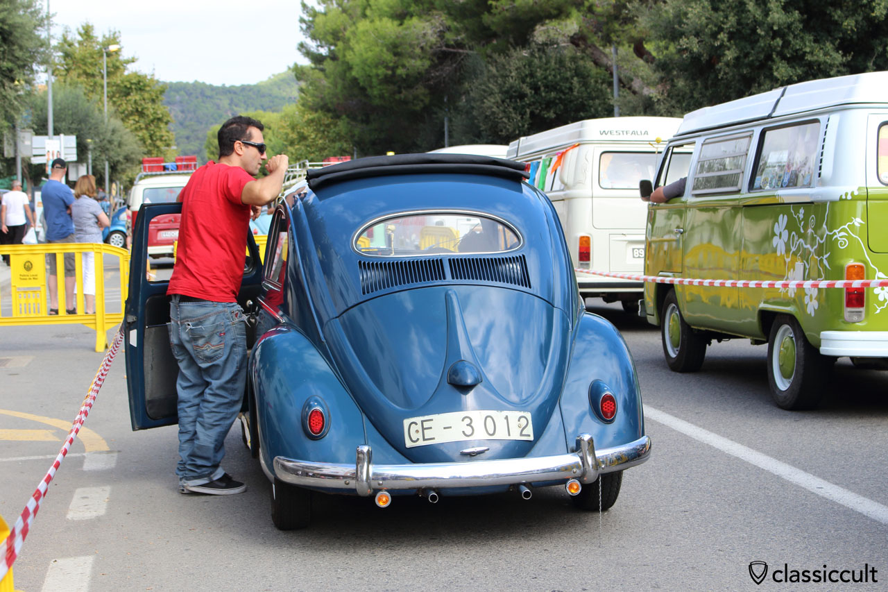blue VW Oval