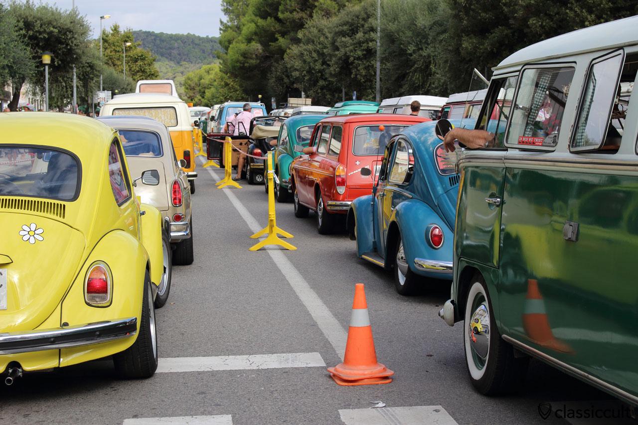 Classic VW traffic jam, 11:01 a.m.