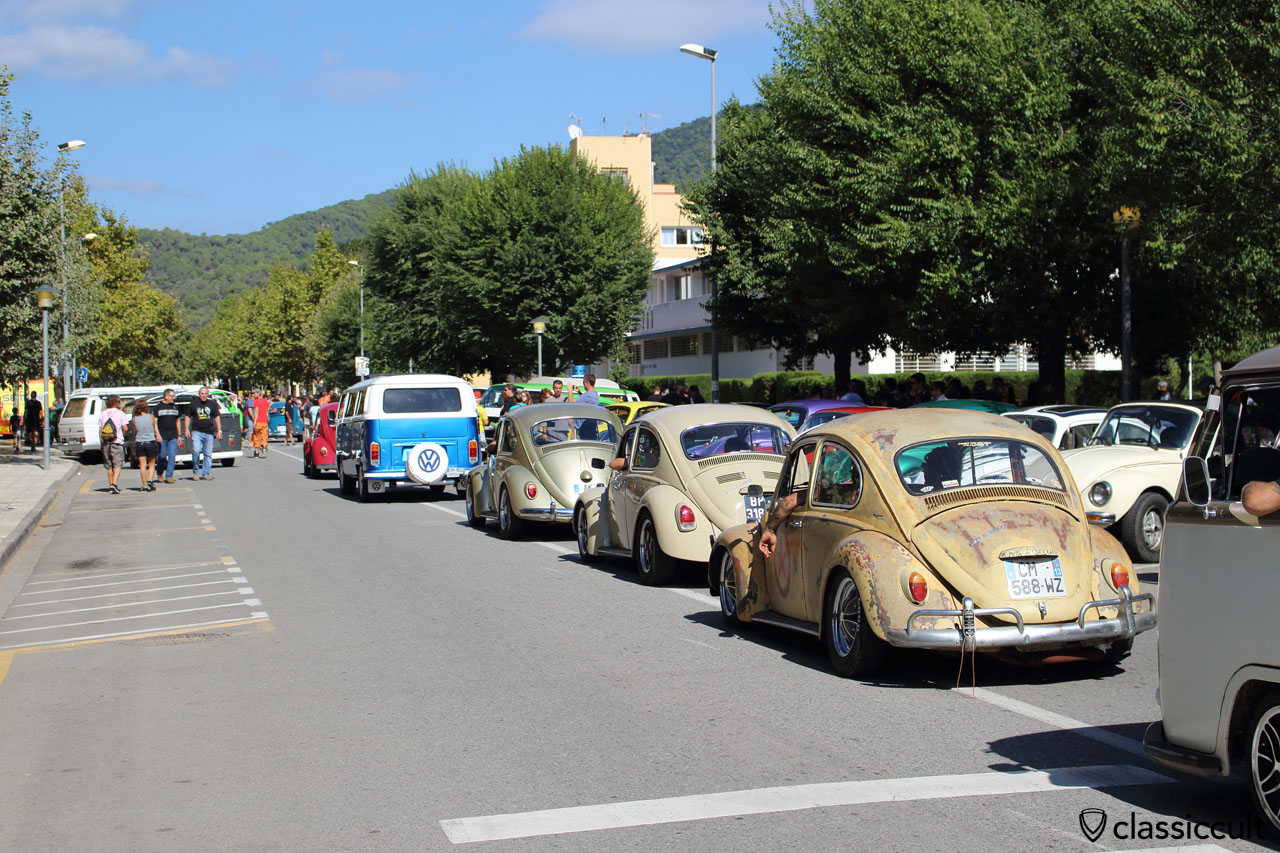 VWs arriving for Show and Shine