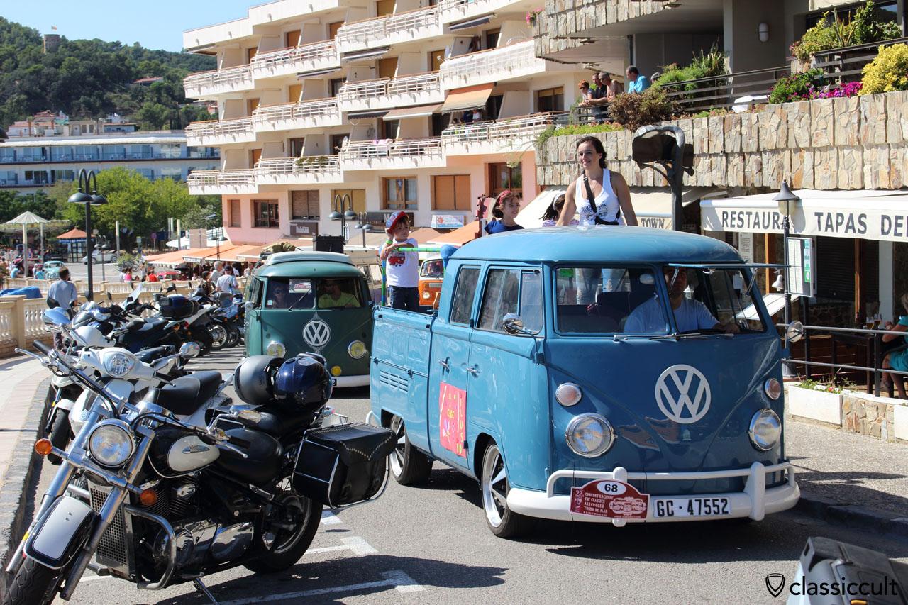 VW fans cruising along the beach, Tossa de Mar Meeting 2015