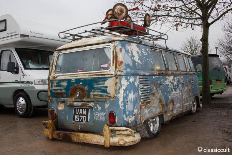 slammed rusty T2a Bus