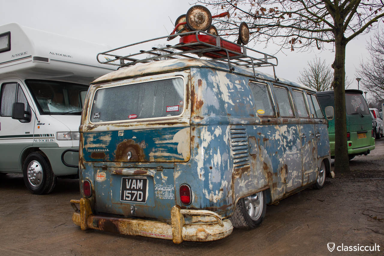 slammed rusty T2a Bus