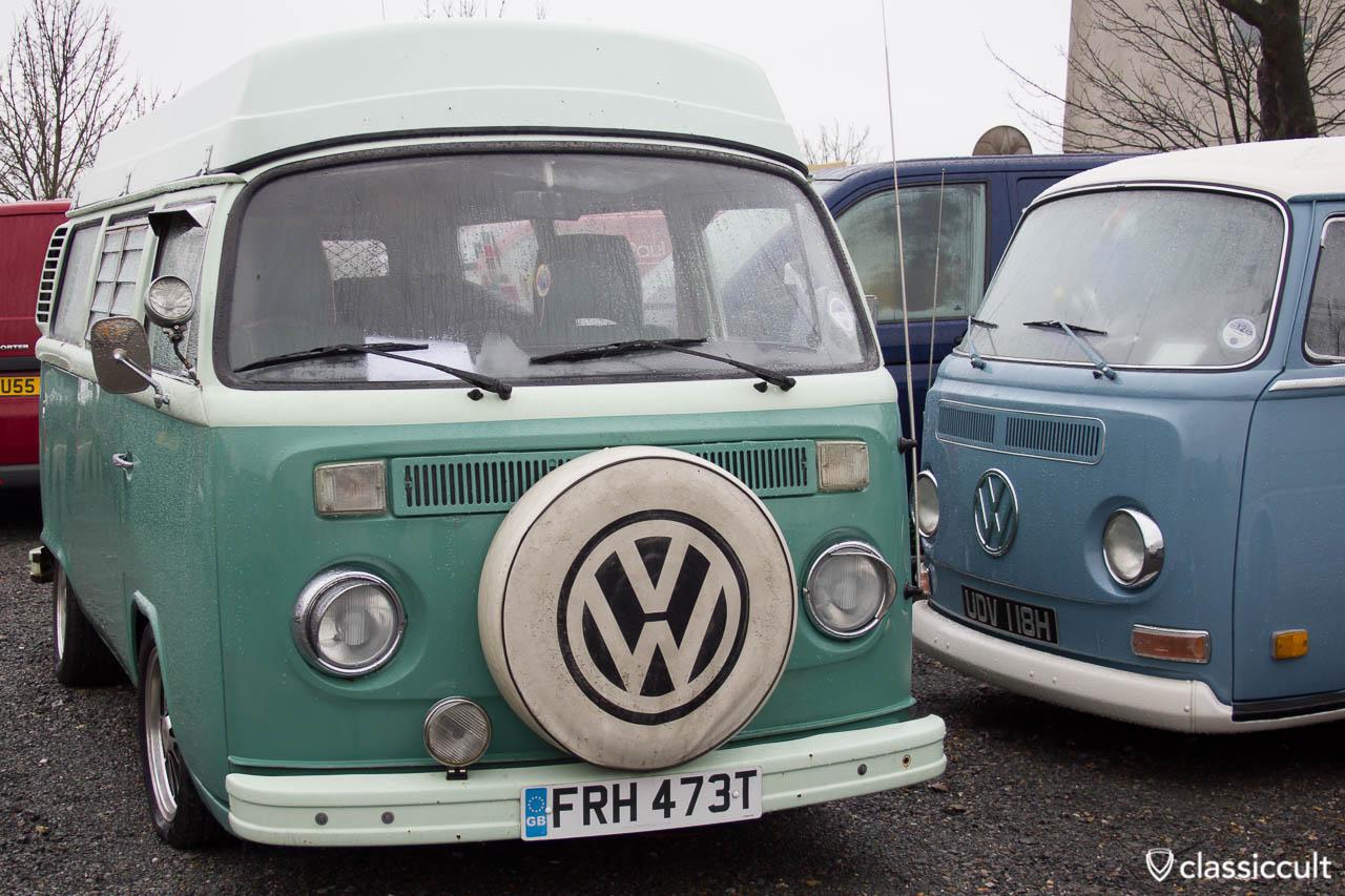 Westfalia Bus with searchlight mirror