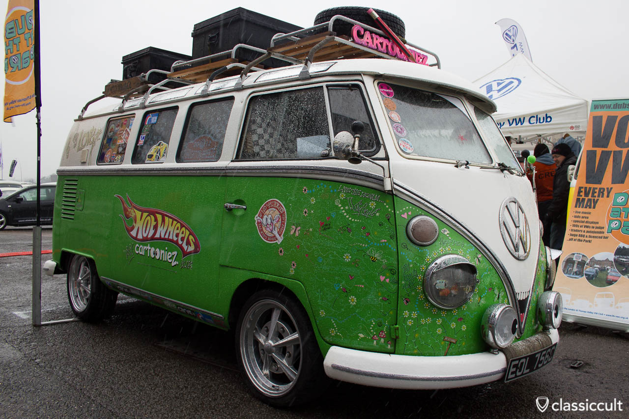 Cartooniez VW Bus UK London