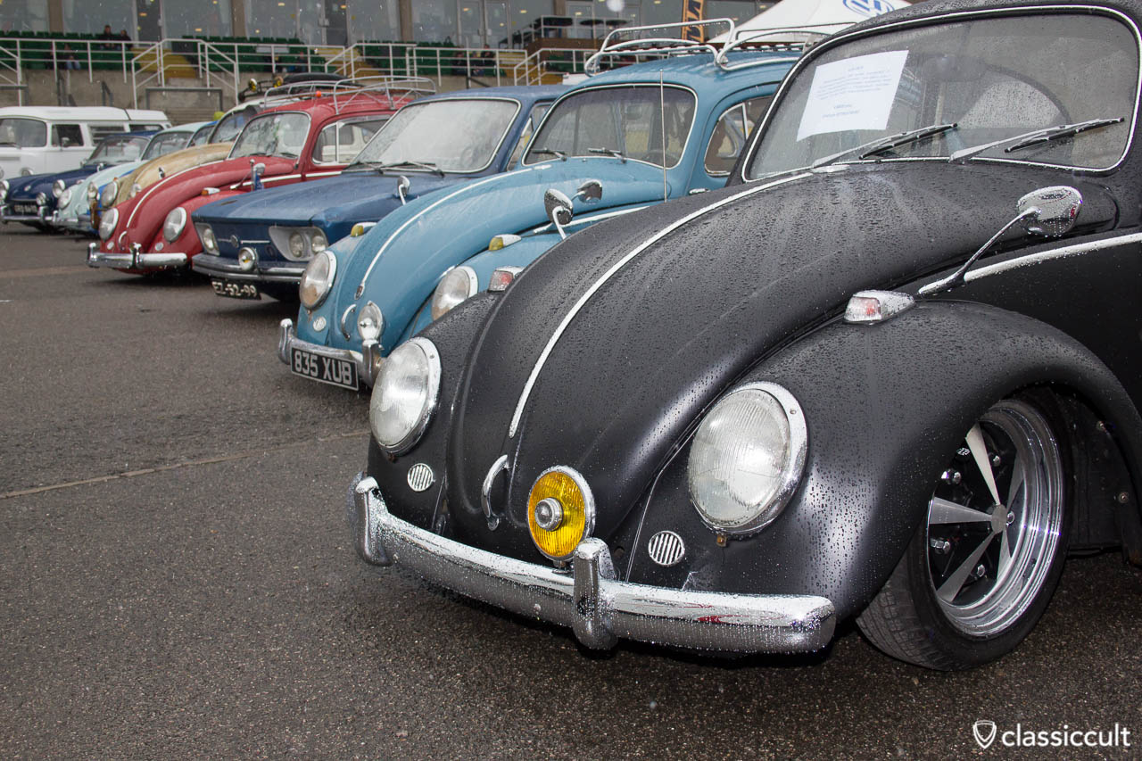 VW Beetle with Albert swan neck mirror