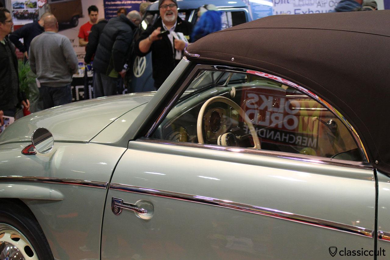 1951 VW Rometsch Beeskow, door mirror dash view