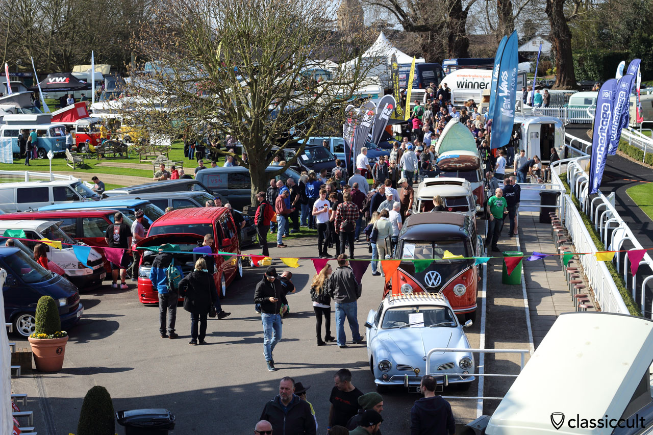 Sandown Park Racecourse, VolksWorld VW Show 2016, 11:11 a.m.